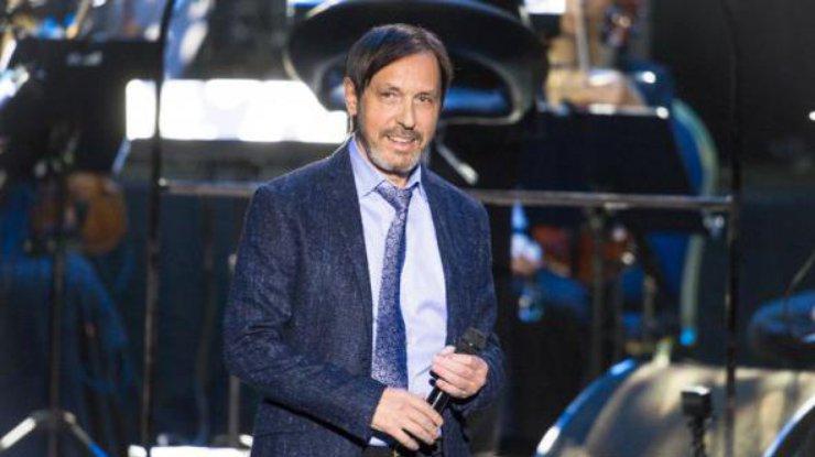 Известный певец Носков госпитализирован и находится в тяжелом состоянии