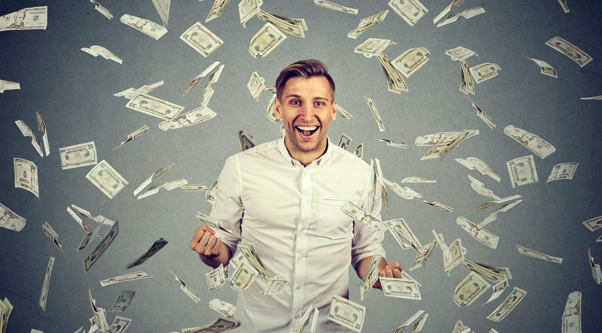 Деньги будут сами идти в руки: четыре знака Зодиака сказочно разбогатеют в 2021 году
