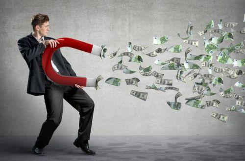 Бык гарантирует успех в январе: самый везучий знак Зодиака будто магнитом притянет деньги
