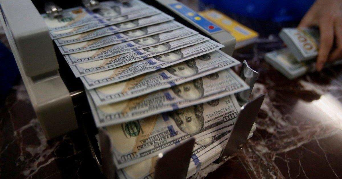 Госстат сообщил, что с начала года трудовые мигранты уже успели перевести в Украину $6,3 миллиарда