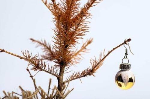 Когда по приметам надо убирать новогоднюю елку