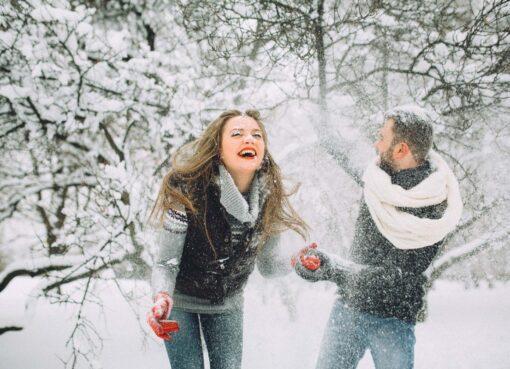 Четырем Зодиакам повезет в любви в последний месяц зимы