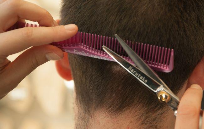 Лунный календарь стрижек на февраль 2021: когда лучше всего идти к парикмахеру